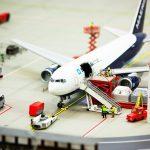 飛行場にある飛行機とその他周辺の様子を表した模型